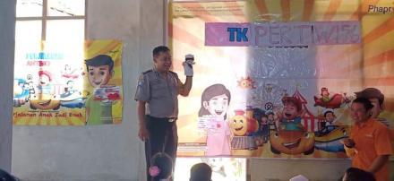 TK  Pertiwi Pedukuhan Jadan Belajar Bersama Pak Polisi