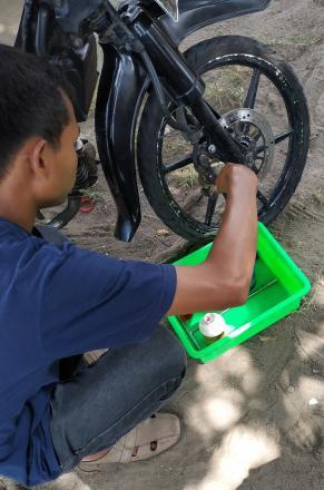 Pelatihan Mekanik Sepeda Motor Hari Ke-17 Di Balai Desa Tamantirto