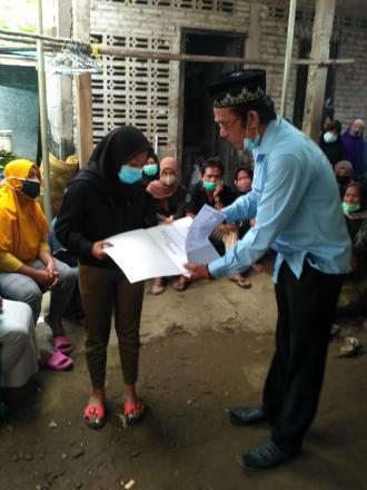 Penyerahan Aksi Simpati dan Akta Kematian Oleh Lurah Tamantirto